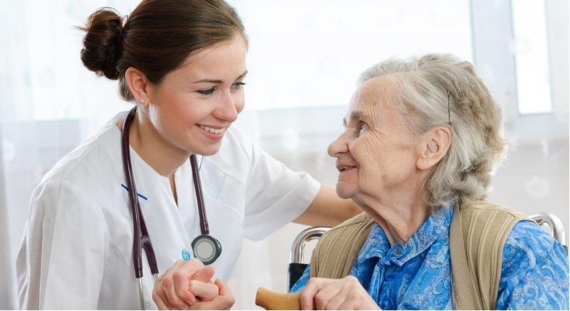 infermiera-privata-torino-assistenza-famiglia